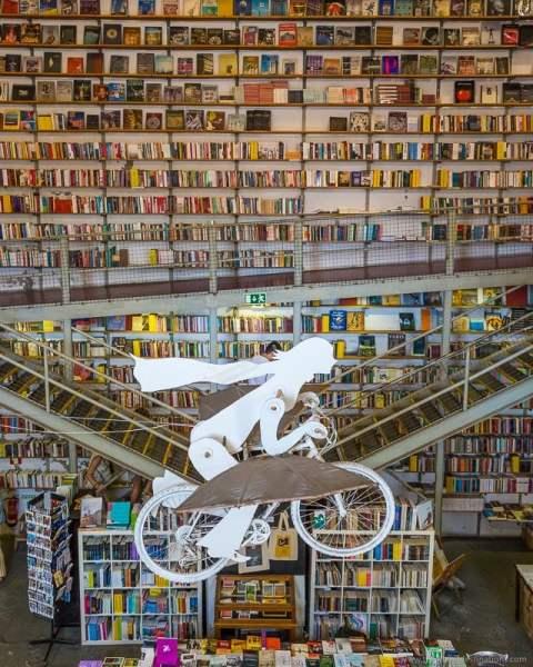 Livraria Ler Devagar em Lisboa - Spot do Instagram