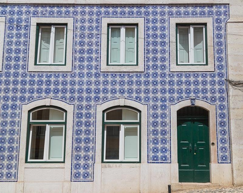 Azulejos em fachadas em Lisboa