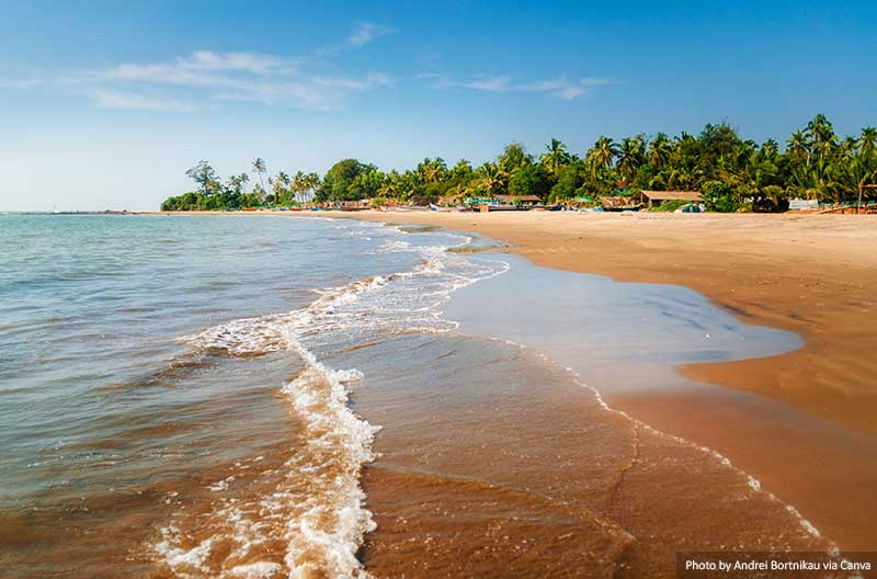 Praia de Morjim em Goa, Índia