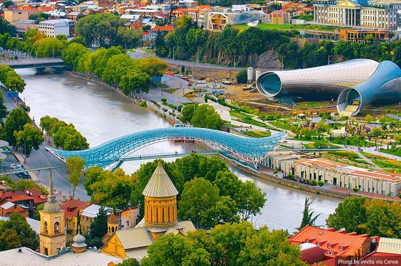 Ponte da Paz em Tbilisi