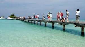 foreign tourists visit Maldives