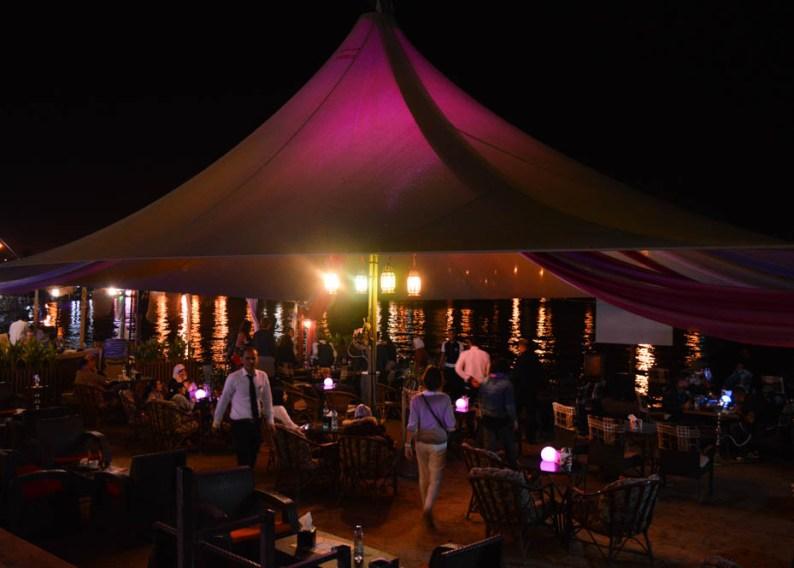 Dineren op het strand, Aqaba House