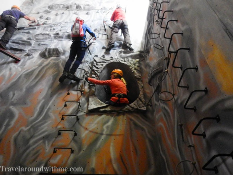 Indoor klimmen bij Kendal Wall