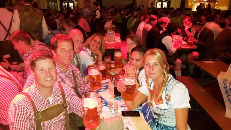 Biertafel Oktoberfest - Munchen