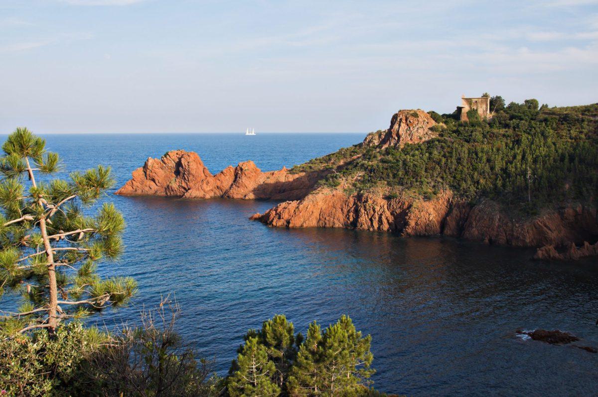 Cote d'Azur - The Blue Mediterranean French Riviera