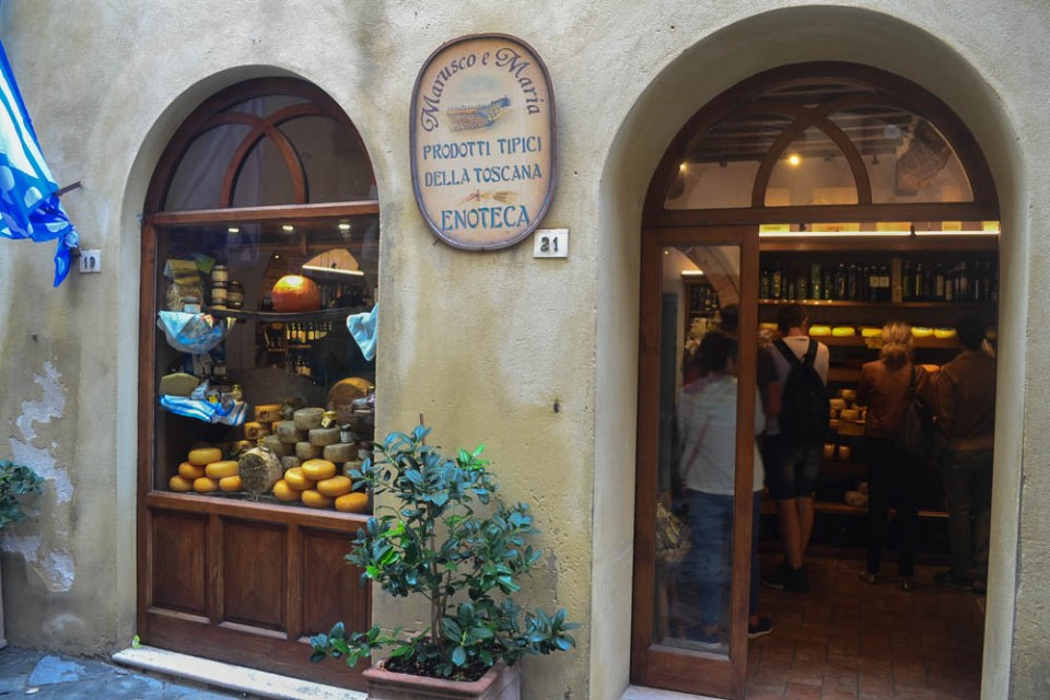 Pienza PEcorino cheese
