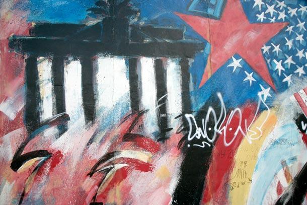 Malerei an der East Side Gallery in Berlin