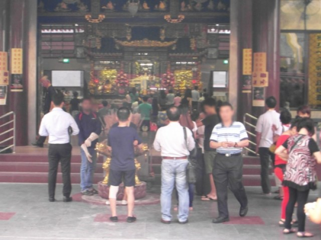 Singapore tourist attractions - Kwan Im Temple