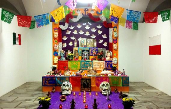 Meksykański Ołtarz Zmarłych w Muzeum Etnograficznym