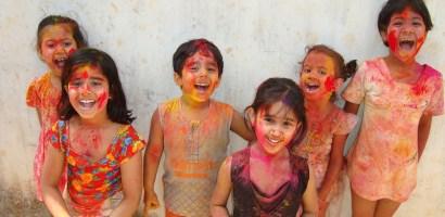 Zaproszenie na Holi Festiwal, czyli Indyjskie Święto Wiosny i Kolorów
