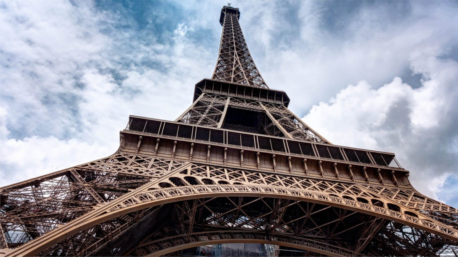 Flight Deal Round Trip From New York Area to Paris #newyork #paris