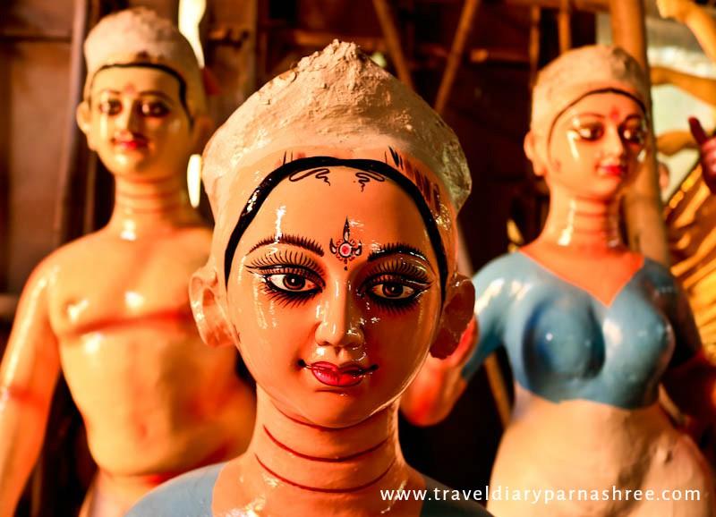 Making Of Durga Idols in C R Park, Delhi