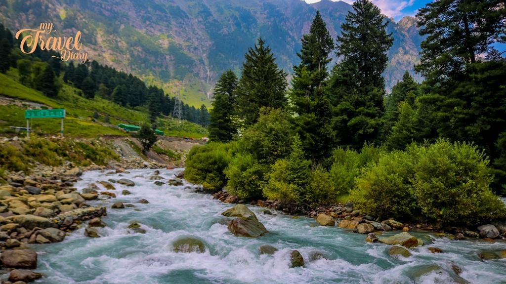 The gushing Sindh river in Sonamarg, Kashmir