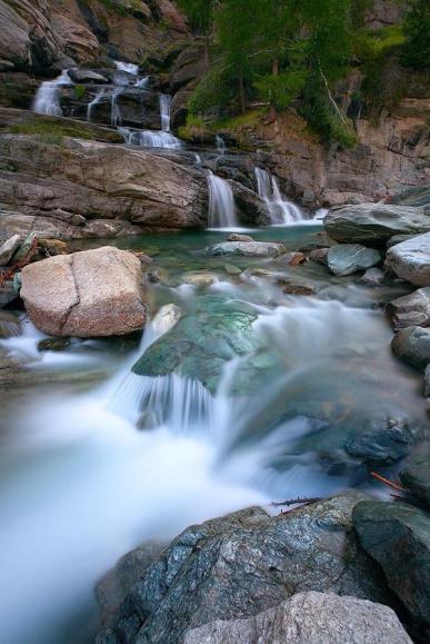 مياه شلالات ليلاتز كوني الجارية