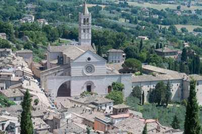 san francesco d'assisi basilica distant photo