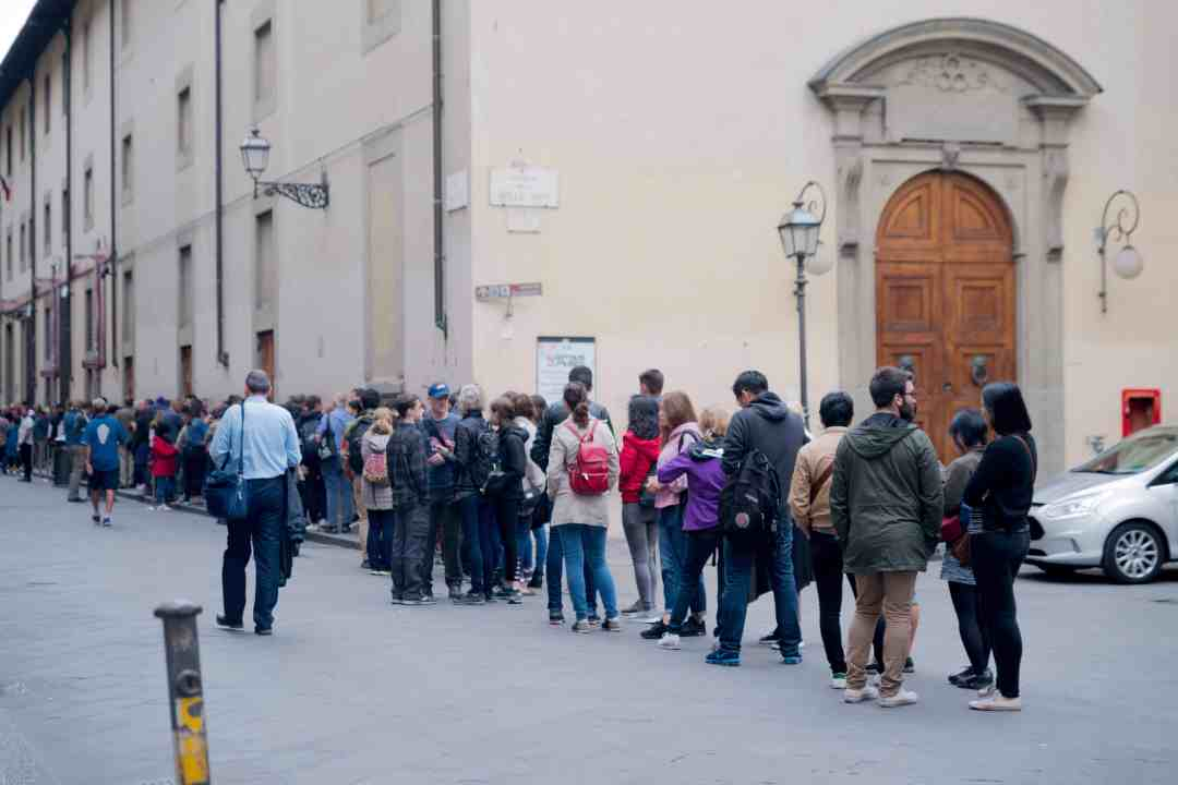 line to enter galleria dell'accademia