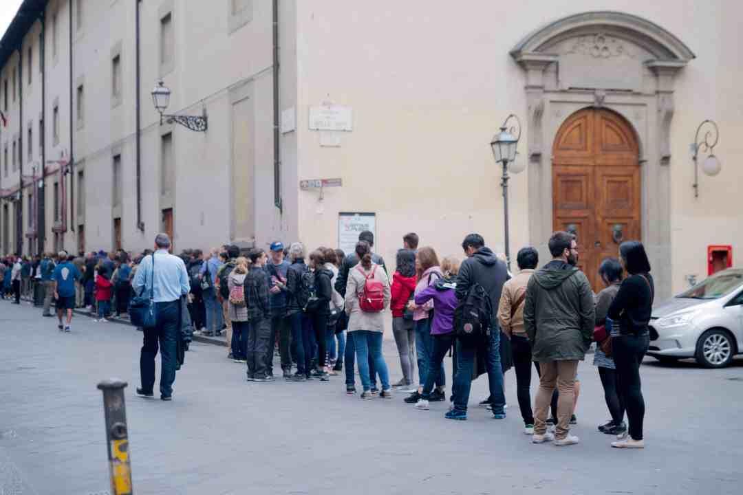 line to enter galleria dell'accademia