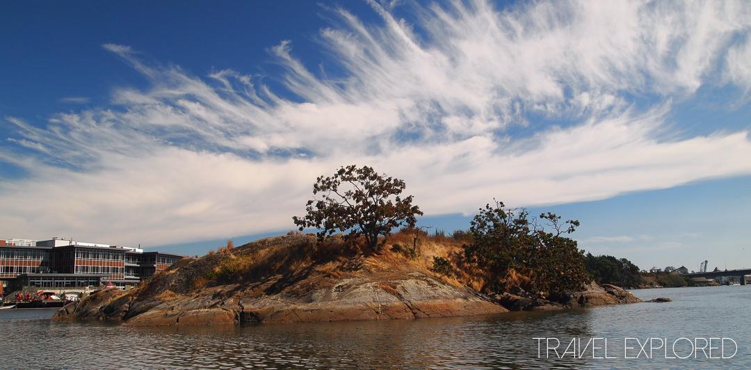Victoria - Island in Gorge