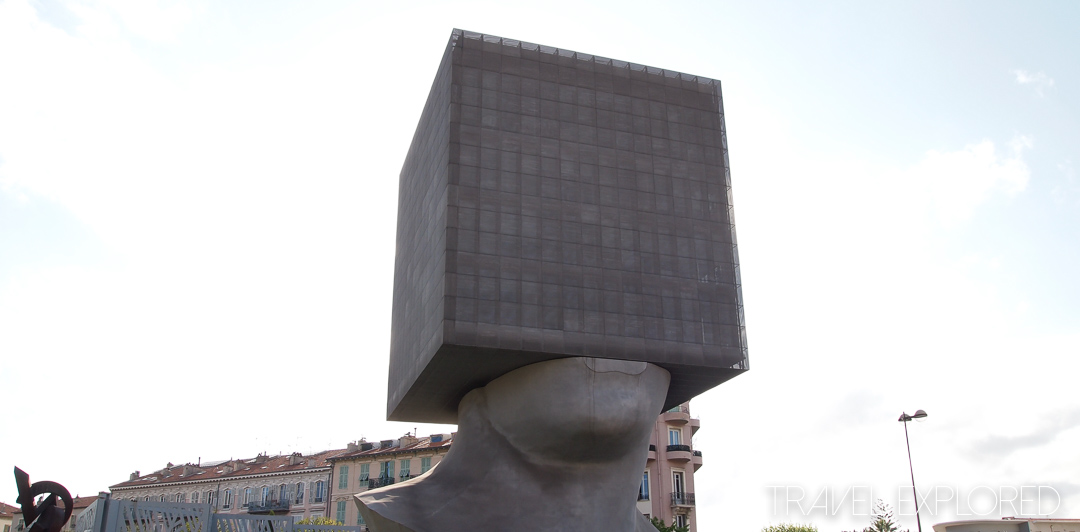 Nice - Sqaure Head Sculpture