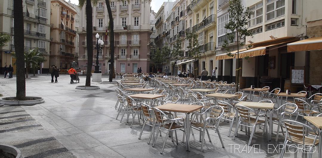 Cadiz - Square with cafes