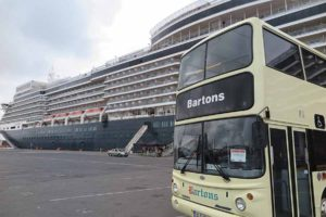 cruise ship bartons bus_0491
