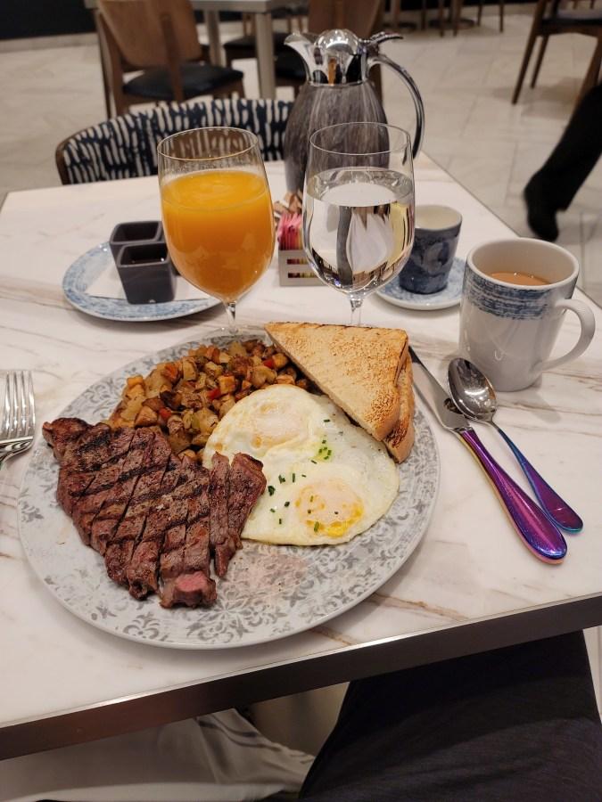the kitchen resorts world breakfast