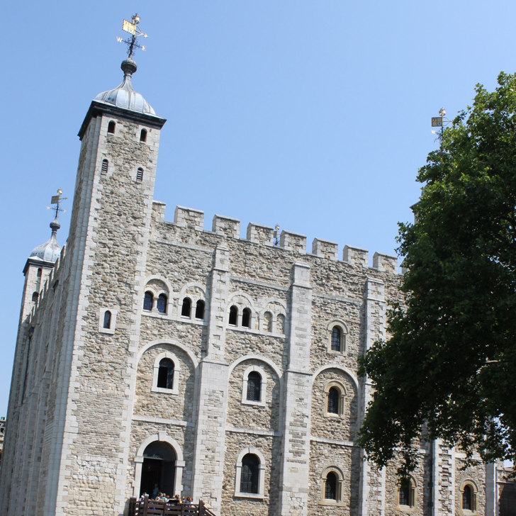 Experience the Ceremony of the Keys at the Tower of London - all you need to know - Travel for a Living