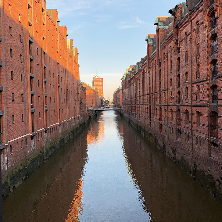 A night in Hamburg - a photographic tour of Hamburg Harbour - Travel for a Living