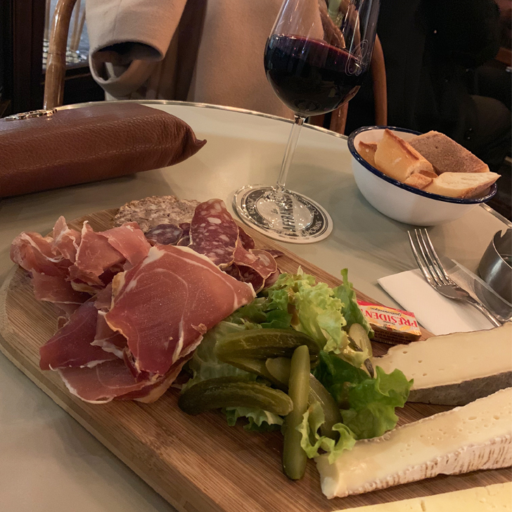 Eating out in Paris - what you need to know - Travel for a Living