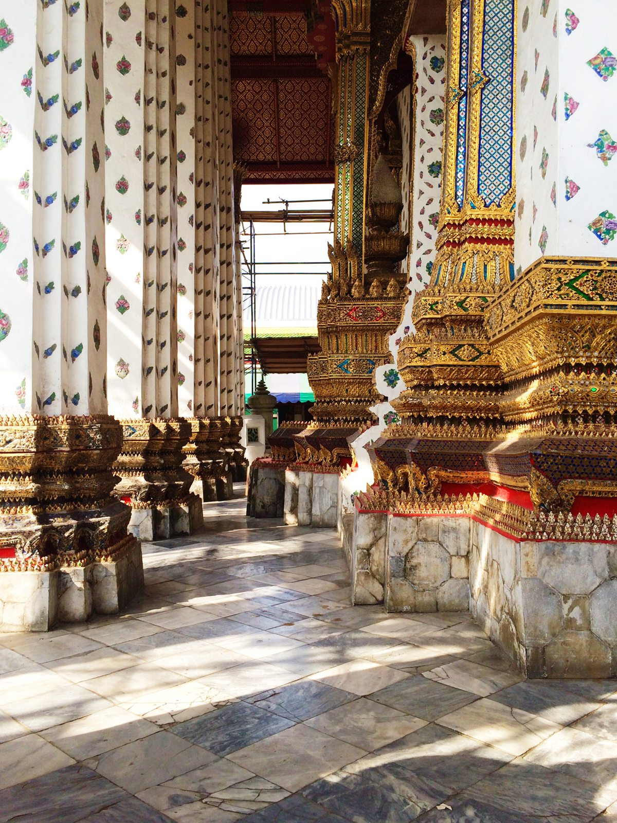 Wat-Arun-Ordination-Hall