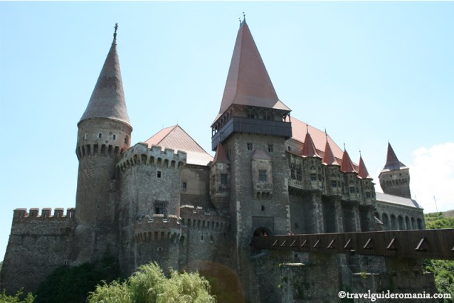 Travel guide Romania - Huniazilor Castle