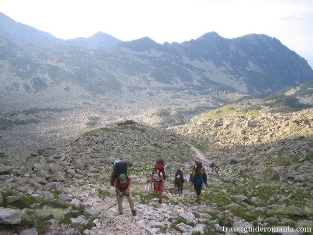 trekking in Retezat mountains - Pietrele valley