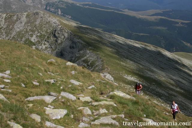 towards Parangul Mare Peak - Parang mountains