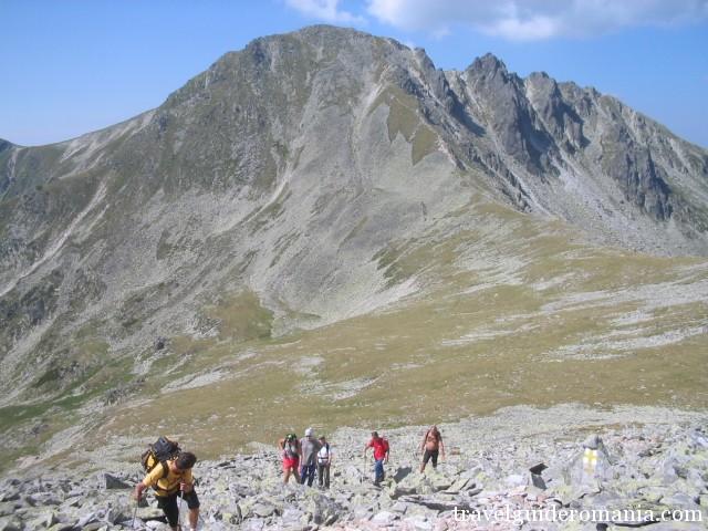Peleaga peak seen from Papusa peak