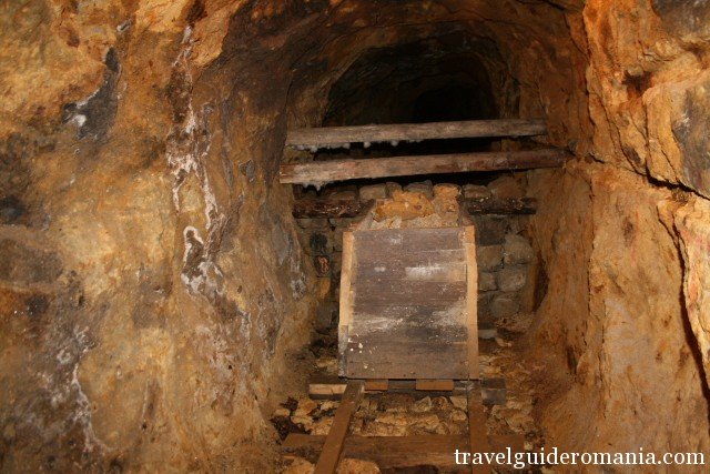 old mining techniques at Rosia Montana Roman mines