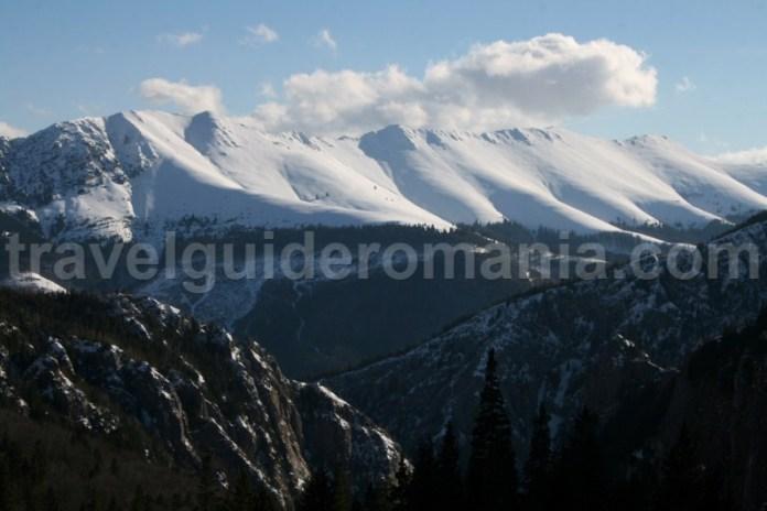Creasta Oslea din Muntii Valcan