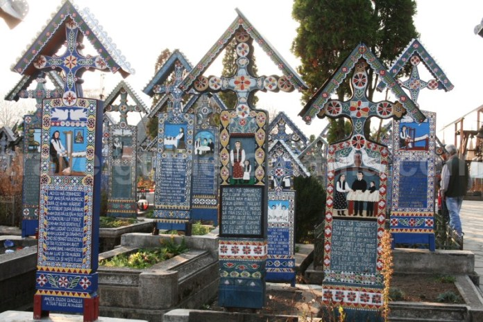 Traditii in cultura romaneasca - Cimitirul Vesel de la Sapanta