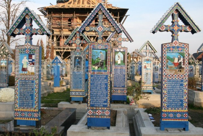 Zona istorica Maramures - Cimitirul Vesel din satul Sapanta