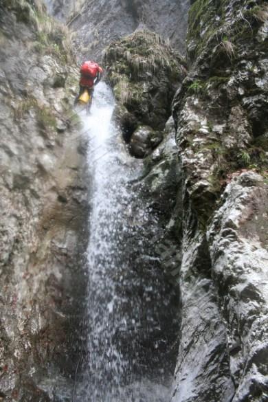 coborand pe canionul Cheia Rea - Muntii Apuseni