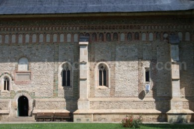 Decoratia fatadelor Bisericii Manastirii Neamț - Moldova