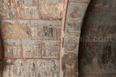 Picturi din gangul turnului clopotnita al Manastirii Neamt