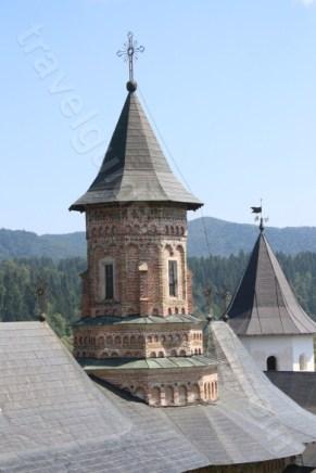 Turnul Bisericii construite de Stefan cel Mare - la Manastirea Neamt