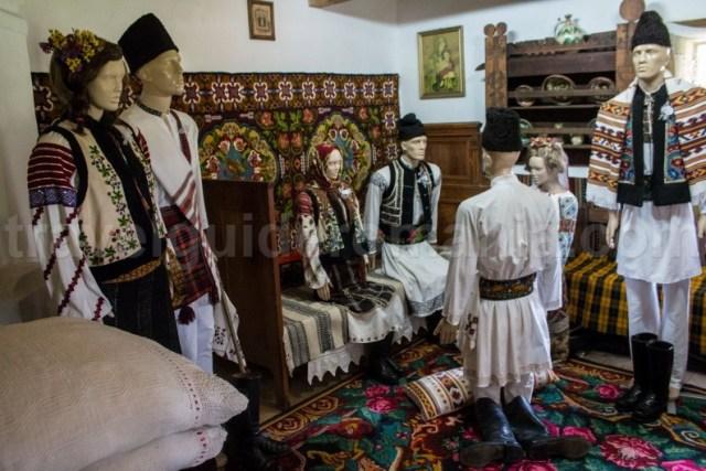 Traditii romanesti la casatorie din zona Bucovina - MOldova