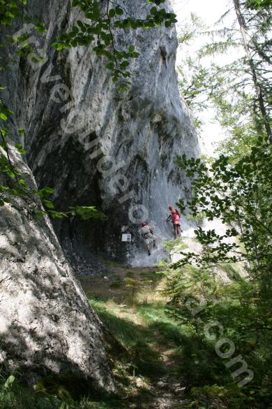 Acces la traseu Via ferrata Arieseni - Vartop