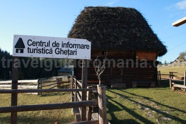 Centru de informare turistica langa Pestera Ghetarul de la Scarisoara