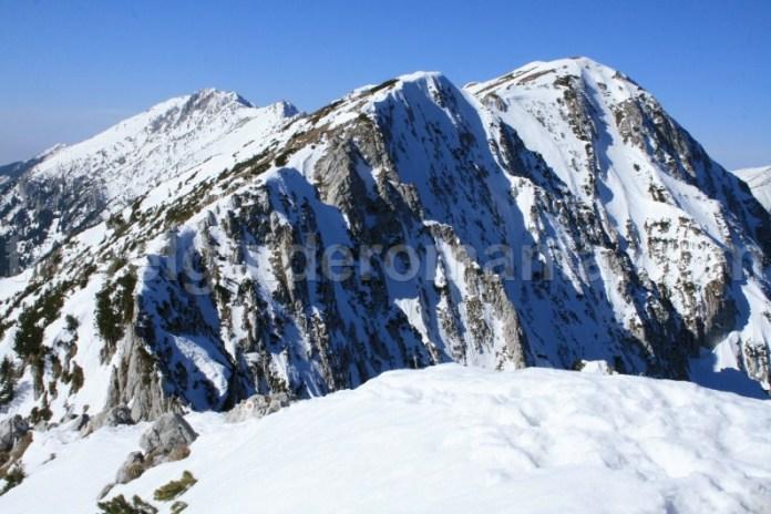 Iarna in Muntii Piatra Craiului - Romania