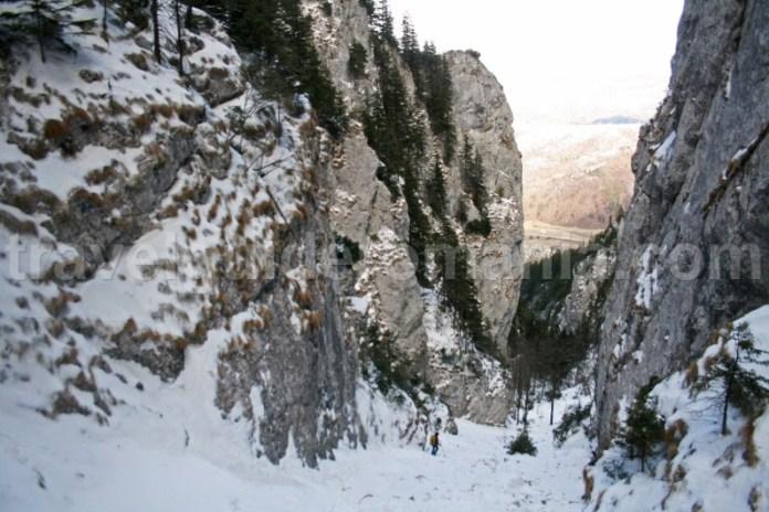 Valea Crapaturii - Muntii Piatra Craiului