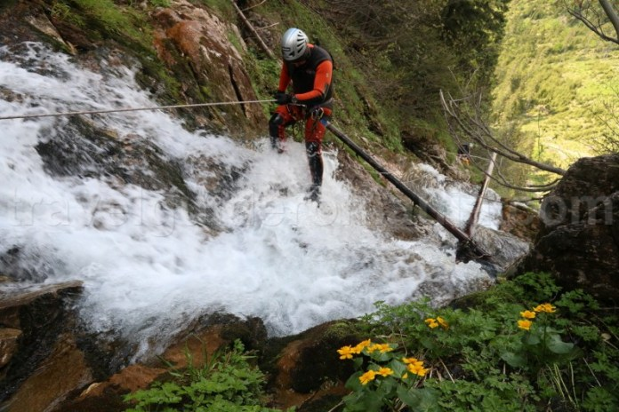 Canionul Cailor - excursii cu ghid canyoning