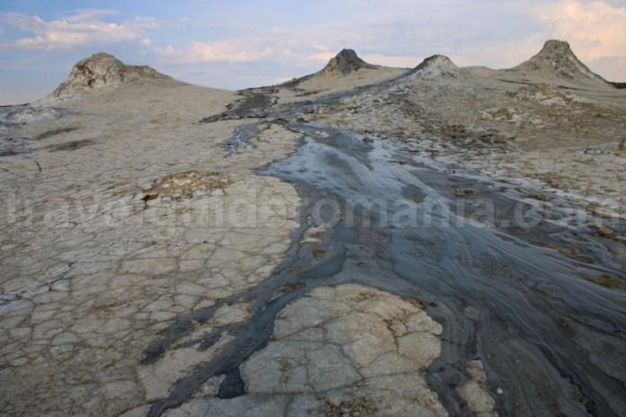 Vulcanii Noroioși de la Pâclele Mari și Pâclele Mici - Romania