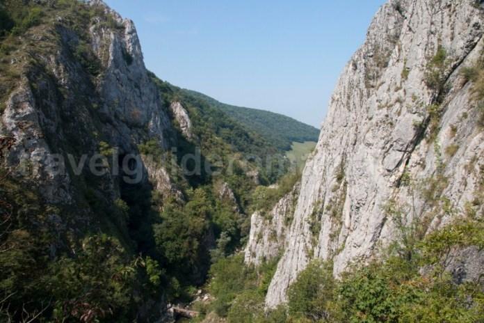 Peisaj din traseul de via ferrata din Cheile Turzii